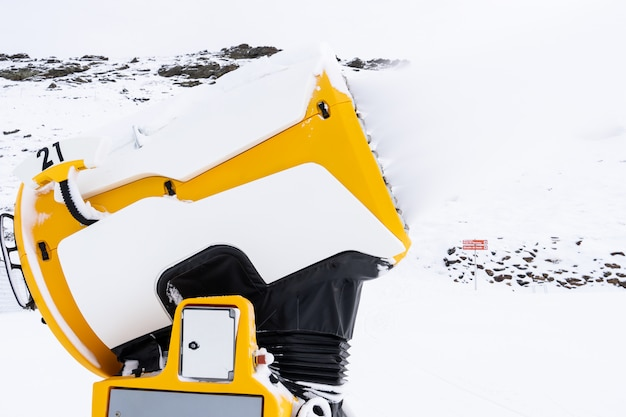 Armata śnieżna działająca w sierra nevada