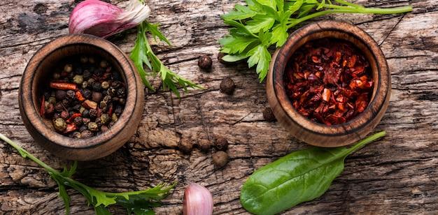 Aromatyczne przyprawy i zioła