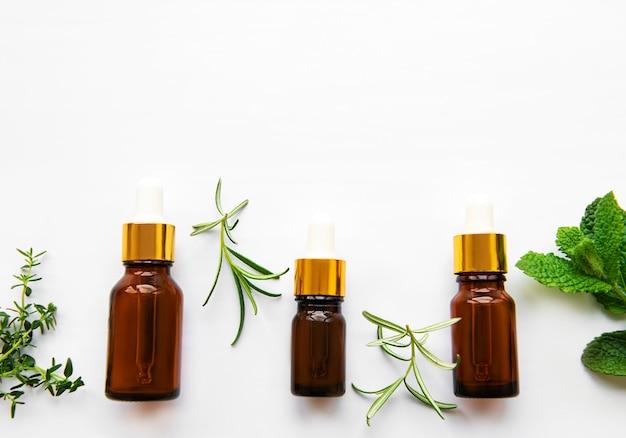 Aromatyczny olej z ziołami