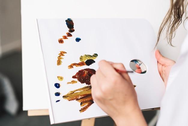 Artysta malarstwo z akwarelą