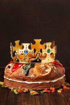Artystyczna koncepcja ciasta epifanicznego roscon de reyes