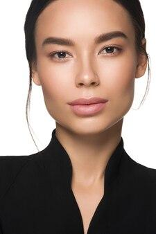 Asia beauty businesswoman zdrowej skóry kosmetycznych spa koncepcja. na białym tle