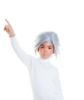 Asian futurystyczny dzieciak z siwymi włosami