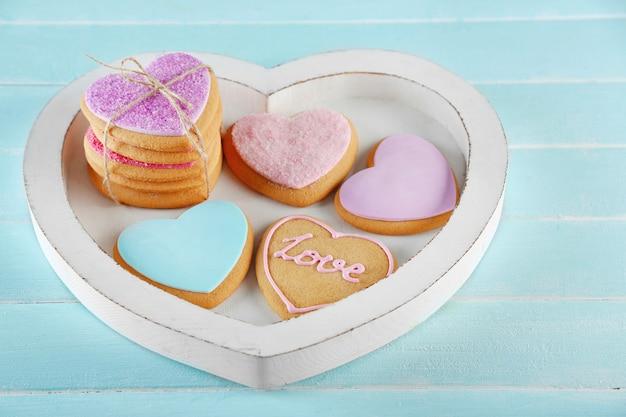 Asortyment ciasteczek miłości w pudełku