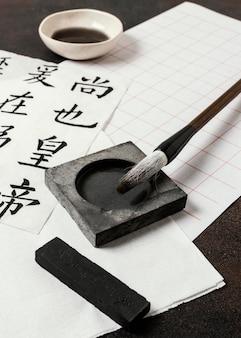 Asortyment elementów chińskiego atramentu z bliska