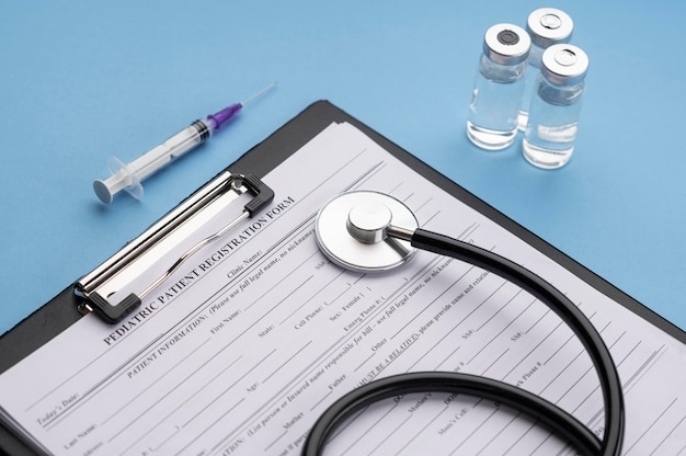 Asortyment elementów szczepionki dla covid19