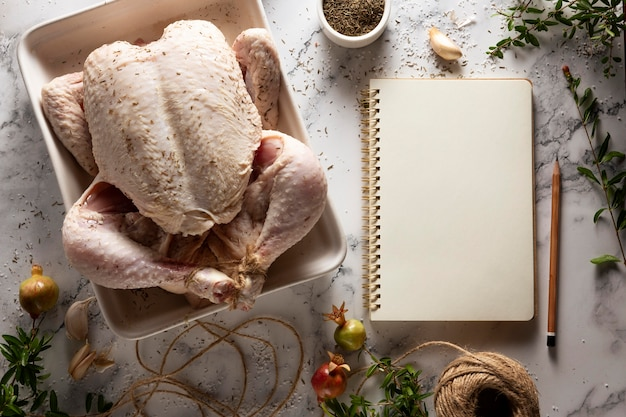 Asortyment indyków na święto dziękczynienia na stole
