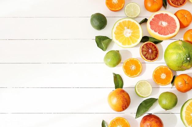 Asortyment owoców cytrusowych