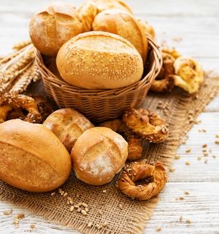 Asortyment pieczonego chleba