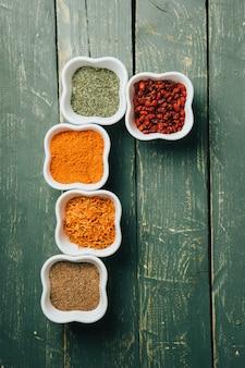Asortyment pikantnych składników