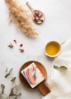 Asortyment płaskich składników mydła