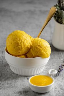 Asortyment pysznych domowych deserów
