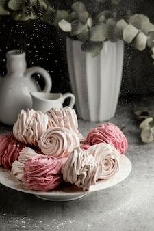 Asortyment pysznych słodkich smakołyków