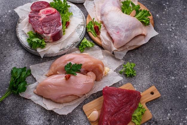 Asortyment Różnych Surowego Mięsa Premium Zdjęcia