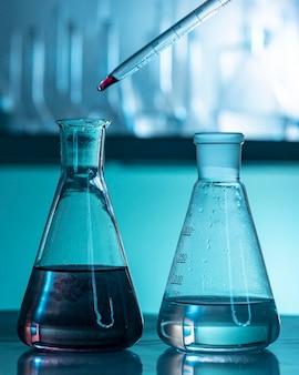 Asortyment szkła laboratoryjnego