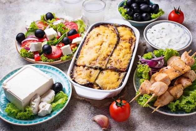 Asortyment tradycyjnych potraw greckich