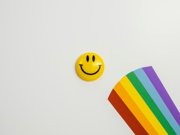 Asortyment widok z góry elementów koncepcji optymizmu