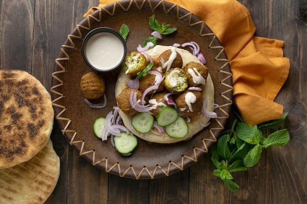 Asortyment z pysznym wysokobiałkowym posiłkiem wegańskim