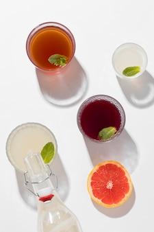 Asortyment z pysznymi napojami fermentowanymi