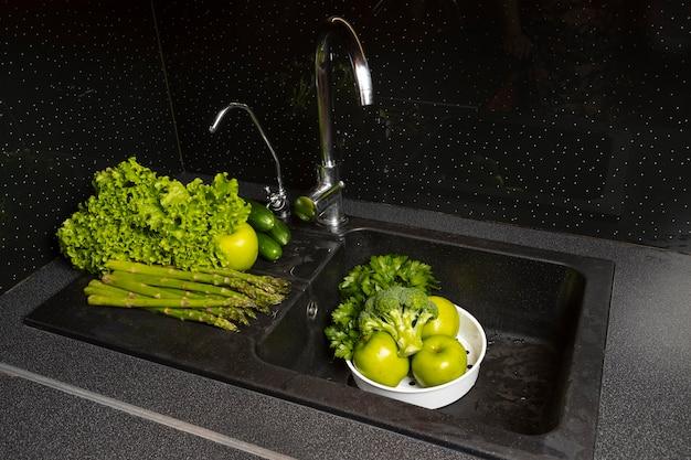 Asortyment zdrowej mytej żywności