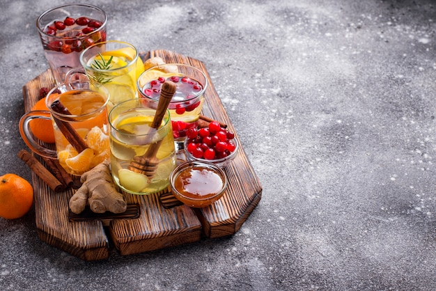 Asortyment zimowej zdrowej herbaty dla wzmocnienia odporności