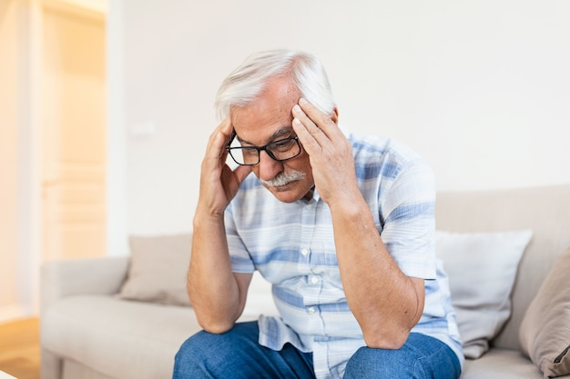 Atak migreny potwora