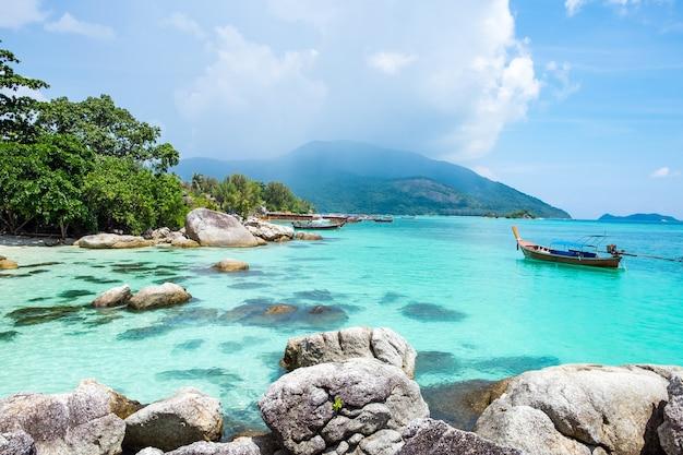 Atrakcja turystyczna wyspy lipe wspaniała słynna z południowej tajlandii