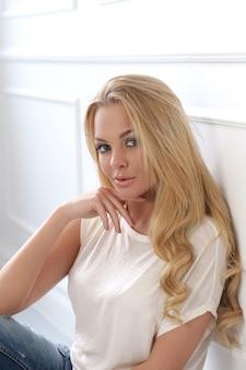 Atrakcyjna blondynka