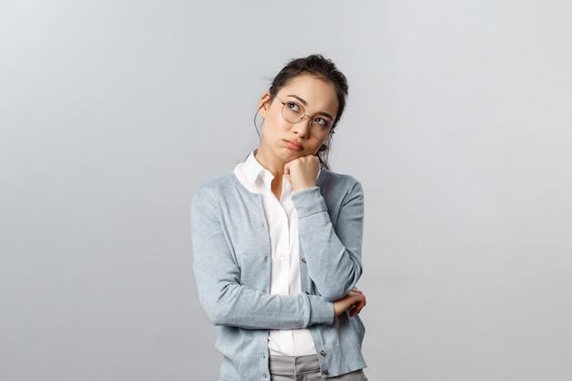 Atrakcyjny azjatycki przedsiębiorca