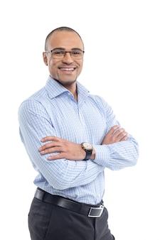 Atrakcyjny przystojny szczęśliwy uśmiechnięty fachowy biznesmena biznesmena portret wykonawczy
