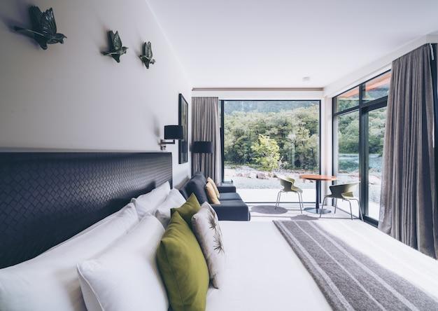 Australijska nowoczesna sypialnia wnętrza okna natury