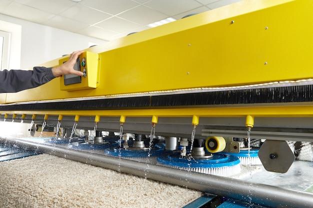 Automatyczna maszyna i sprzęt do prania i czyszczenia na sucho dywanów