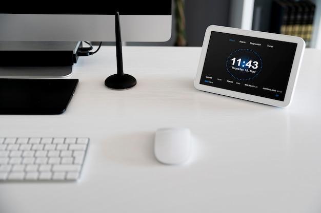 Automatyka domowa z obiektami na biurku