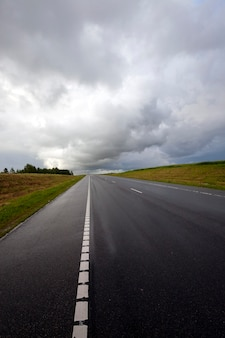 Autostrada - autostrada w czasie burzy.