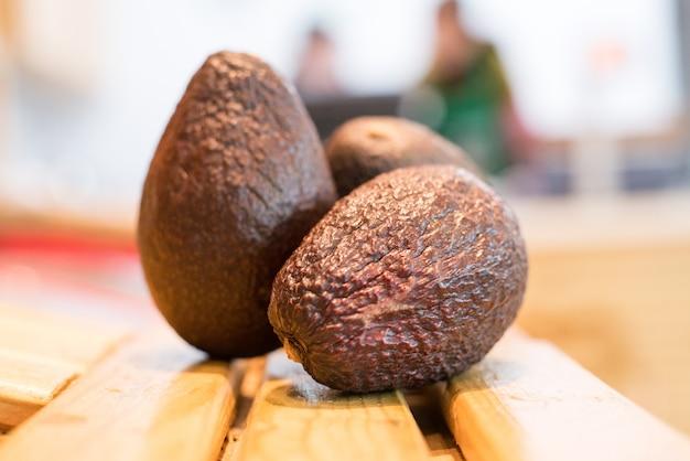 Awokado jest bardzo pożywne i zawiera wiele różnych składników odżywczych.