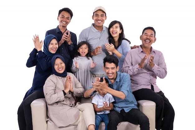 Azjatycka muzułmańska rodzina eid mubarak ramadan kareem