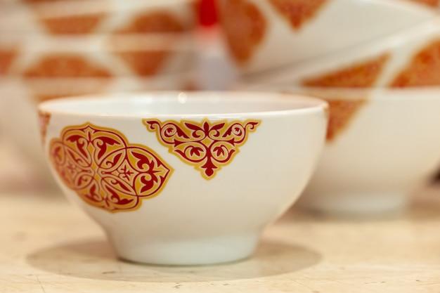 Azjatycki ceramiczny kubek herbaty ornated