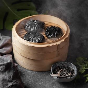 Azjatyckie gotowanie pod wysokim kątem