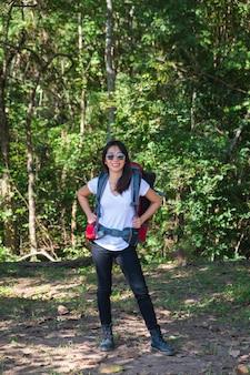 Azjatyckie kobiety piesze wycieczki