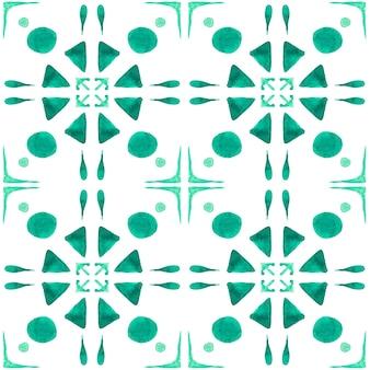 Azulejo akwarela bezszwowe wzór. tradycyjne portugalskie płytki ceramiczne. ręcznie rysowane streszczenie tło. grafika akwarelowa do tekstyliów, tapet, druku, projektowania strojów kąpielowych. zielony wzór azulejo.