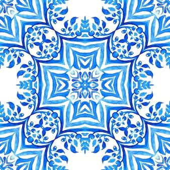 Azulejo niebieski i biały ręcznie rysowane dachówka bez szwu ozdobnych arabeska wzór farby akwarelowej.