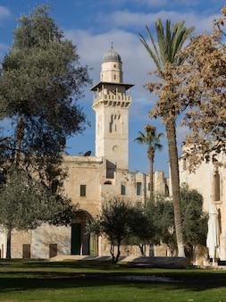 Bab al-silsila minaret w meczecie al aksa, wzgórze świątynne, stare miasto, jerozolima, izrael