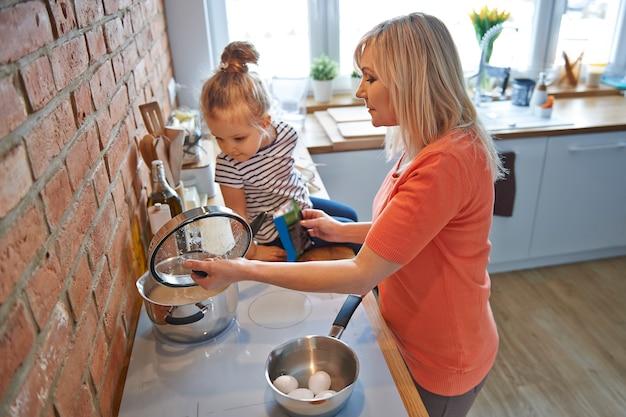 Babcia i jej magiczne przyprawy do zup