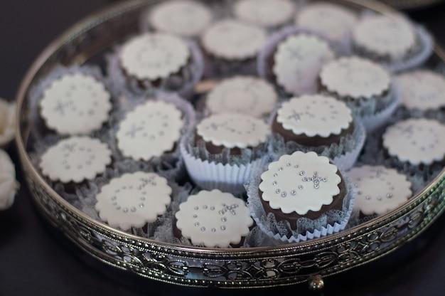 Babeczki na stole - chrzest