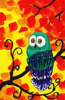 Bajkowa sowa siedząca na gałęzi w kolorowym jesiennym lesie jasna ilustracja handdrawn