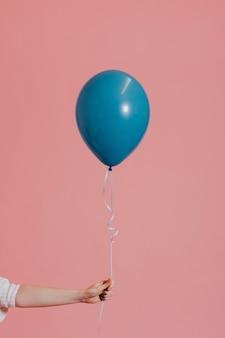 Balon helu na sznurku