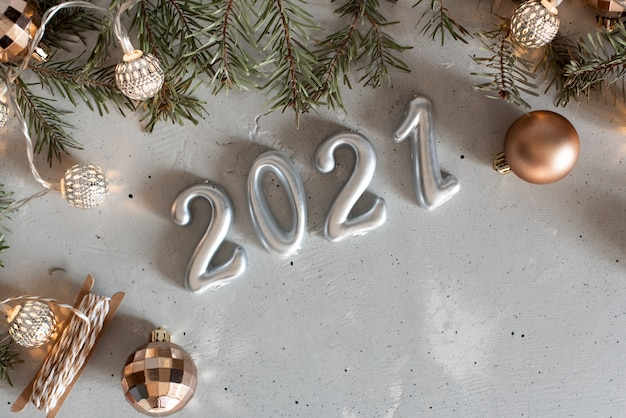 Balony srebrne nowy rok 2021 z fajerwerkami