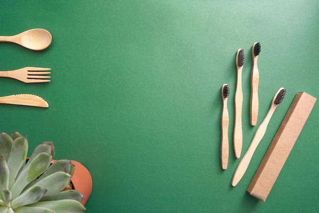 Bambusowa szczoteczka do zębów z kartonowym opakowaniem