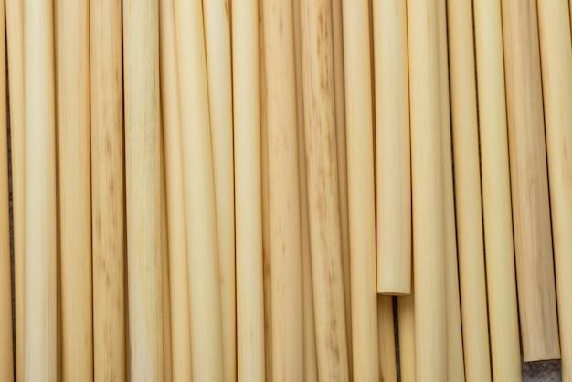 Bambusowe słomki tło widok z góry