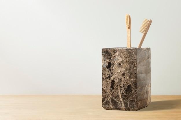 Bambusowe szczoteczki do zębów zrównoważony produkt